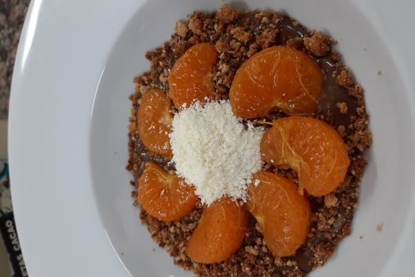 Mandarinas marinadas y crema de chocolate