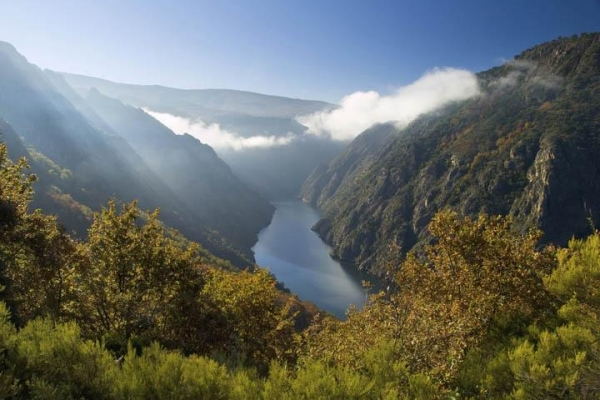 spain-galicia-river-sil-canyon-thinkstockphotos-1674927605F4FF916-93CA-9F7F-6B9A-85C95CC4978B.jpg