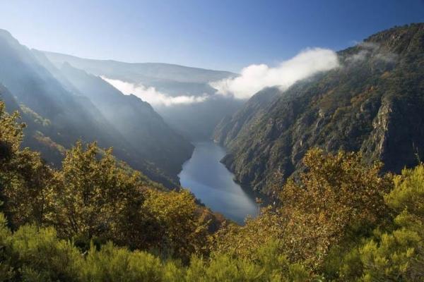 spain-galicia-river-sil-canyon-thinkstockphotos-1674927605F4FF916-93CA-9F7F-6B9A-85C95CC4978B.jpg